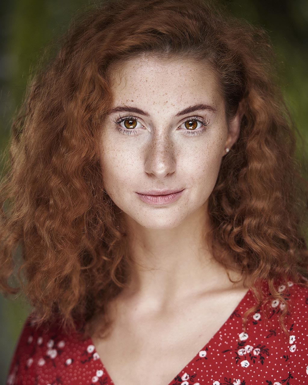 MAD Photography London Actress Headshot Laura King Spotlight Casting Head Shot